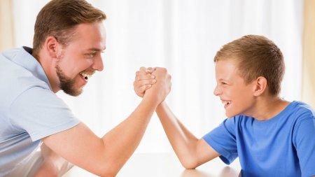 Отцам детей от суррогатных матерей с 2022 года начнут выдавать маткапитал - «Семья»